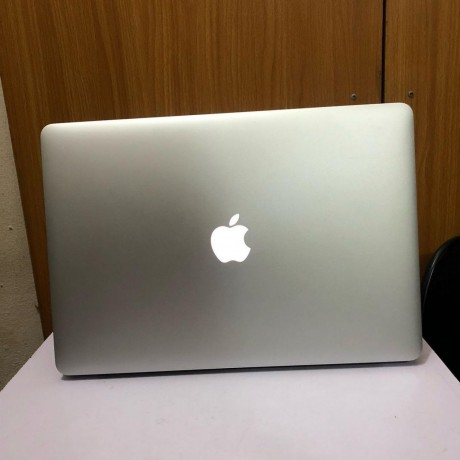 buy-macbook-pro-2015-core-i7-15-big-1