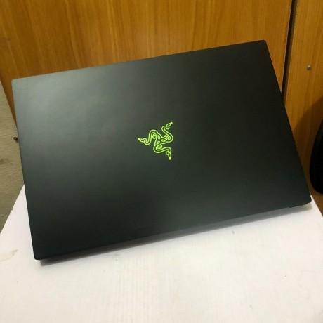 buy-laptop-razer-blade-15-core-i7-8th-gen-big-3