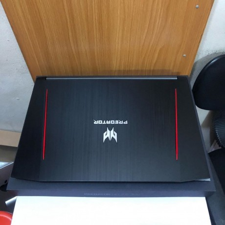 laptop-acer-predator-helios-300-intel-corei7-8th-gen-1tb-16gb-ram-big-1